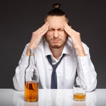 Czym jest ciąg alkoholowy i dlaczego jest tak niebezpieczny?